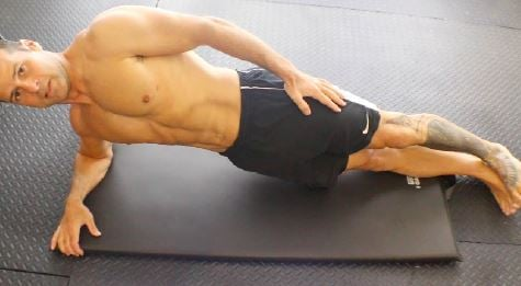 21-day-flat-belly-fix-side-planks